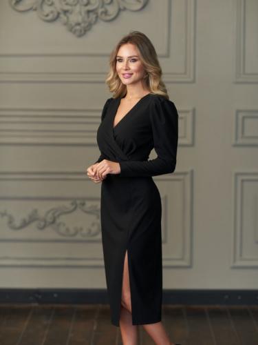 Платье с разрезом цвет черный