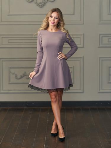 Платье цвет темная пудра с кружевом