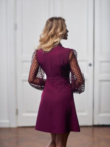 Платье с пуговицами и сеткой
