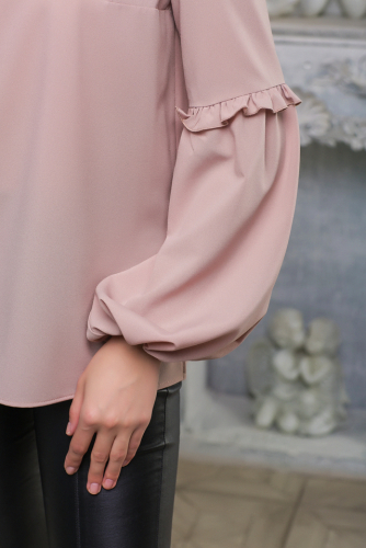 Блуза с рюшами цвет бежевый