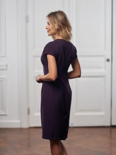 Платье цвет ягодный с вырезом