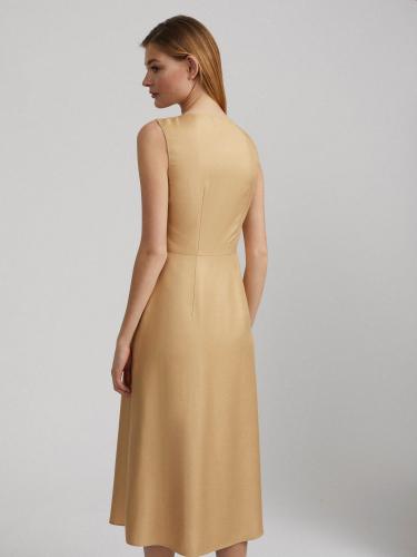 Платье миди на пуговицах
