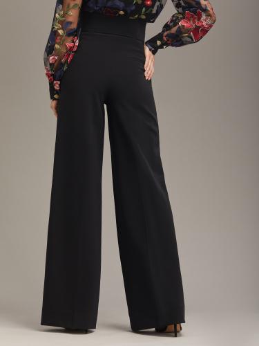 Прямые брюки с высокой талией