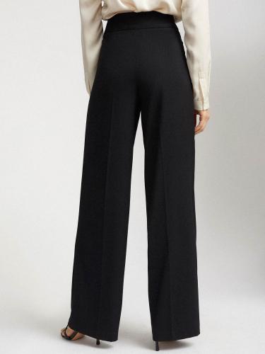 Широкие брюки с пряжкой