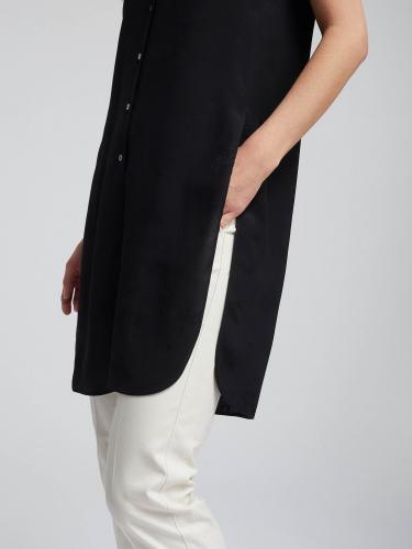 Длинная блуза с атласным принтом в тон