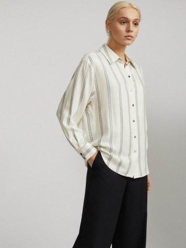 Рубашка с металлизированной нитью