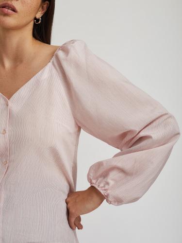 Блуза в тонкую полоску