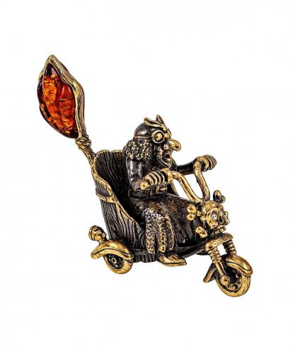 Баба Яга на Мотоцикле без подставки 2001.1