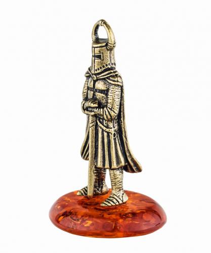 Рыцарь с мечом 222
