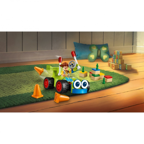 Конктруктор LEGO Toy Story 4 10766 Вуди на машине