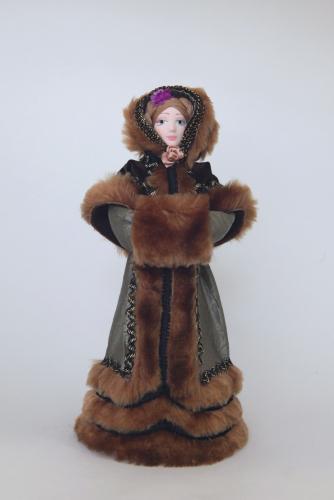 Кукла сувенирная фарфоровая. Женский зимний костюм.2-я четв.19 в. Европа.