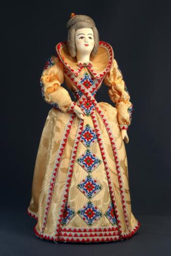 Кукла сувенирная фарфоровая. Дама в европейском наряде. 18 в.