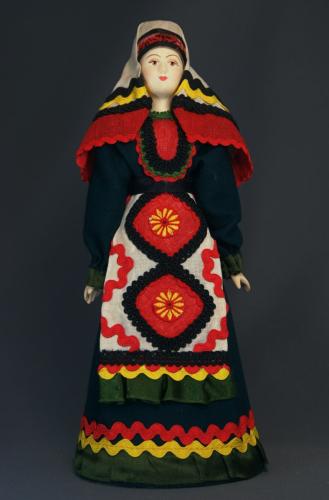 Кукла сувенирная фарфоровая. Вятская губ. Россия. Удмуртский национальный костюм (стилизация).