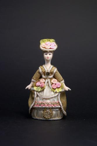 Дама в светском костюме(стилизация). 18 в. Шкатулк