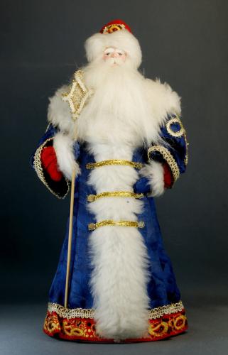 Кукла сувенирная фарфоровая. Дед Мороз в боярской шубе. Сказочный персонаж