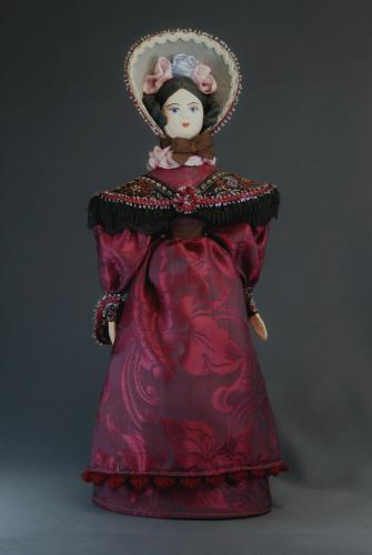 Кукла сувенирная фарфоровая. Дама в светском костюме.1830-е г. Петербург