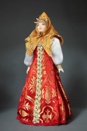 Кукла сувенирная фарфоровая. Россия. Торопчанка в праздничном костюме.19 в.