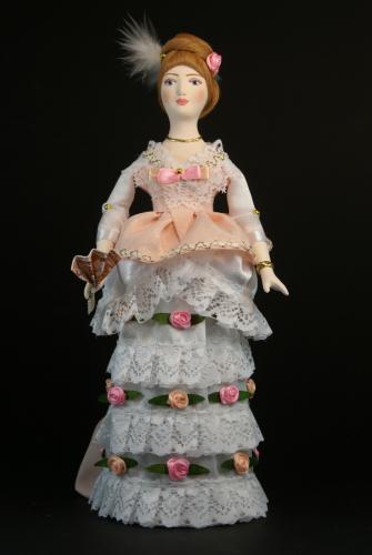 Кукла сувенирная фарфоровая. Девушка в бальном платье. 1870-е г. Петербург