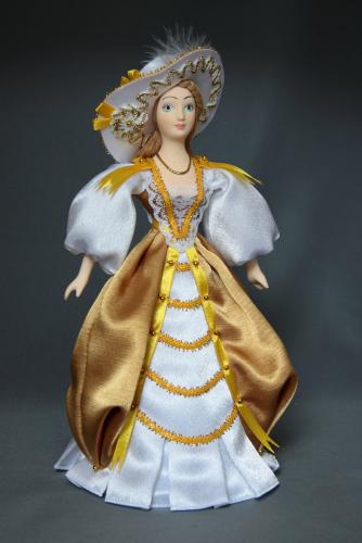 Кукла сувенирная фарфоровая. Европейский светский костюм. 18в.