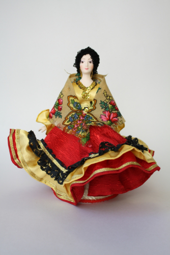 Кукла сувенирная фарфоровая. Цыганка.