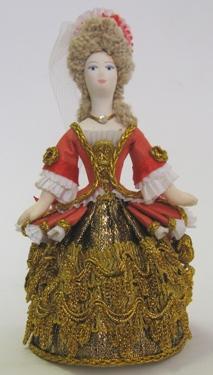 Дама в придворном платье к.17 н.18в. Шкатулка