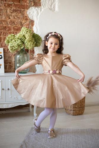 Платье для девочки Злата Л 21-1 золото лен
