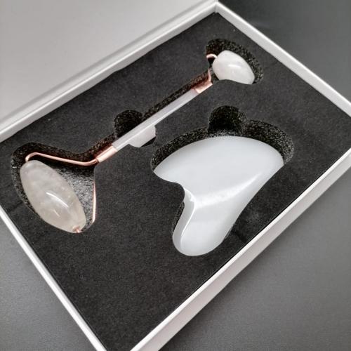 Подарочный набор Массажер для лица двусторонний + скрапер белый Кварц