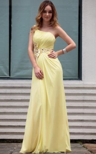 Желтое платье на одно плечо со стразами