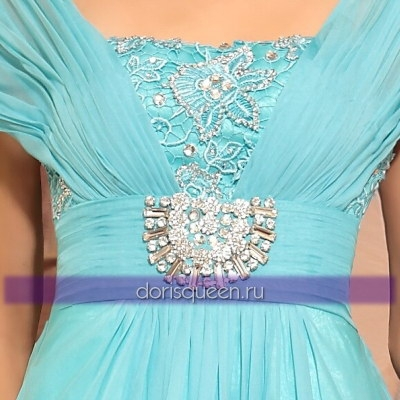 Голубое платье в греческом стиле с кружевом