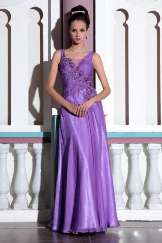 Пурпурное платье с цветами ручной работы