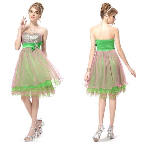 Очаровательное коктейльное платье с блёстками Увеличить   Очаровательное коктейльное платье с блёстками