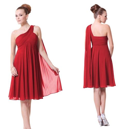 Ярко-красное платье с оригинальной бретелью