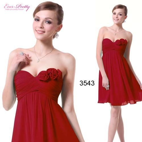 Легкое красное платье с цветами