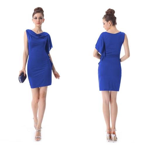 Светло-синее эластичное коктейльное платье