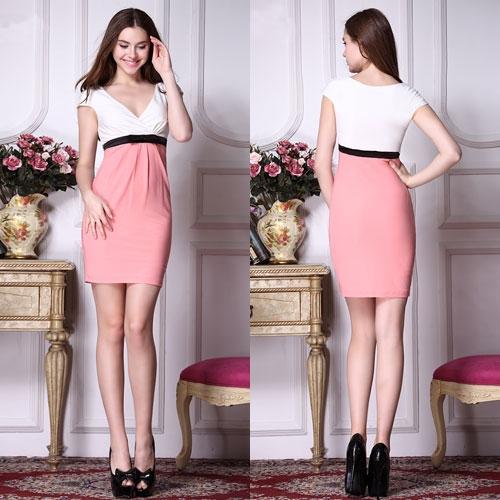 Бело-розовое платье с черным поясом