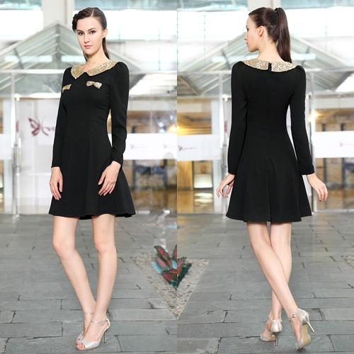Черное платье с длинным рукавом и блестками