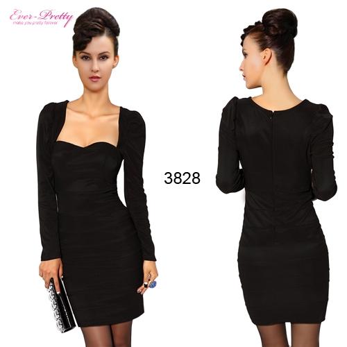 Маленькое черное платье с длинным рукавом