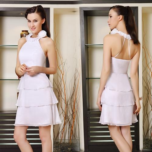 Белое многослойное платье с цветком