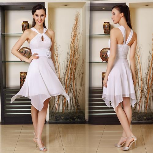 Белое асимметричное платье с цветком