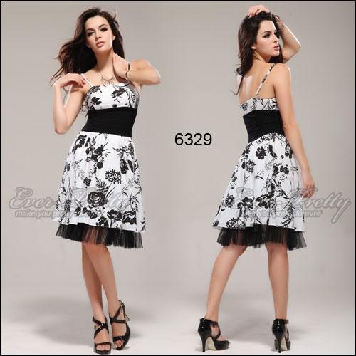 Лёгкое чёрно-белое платье с рисунком