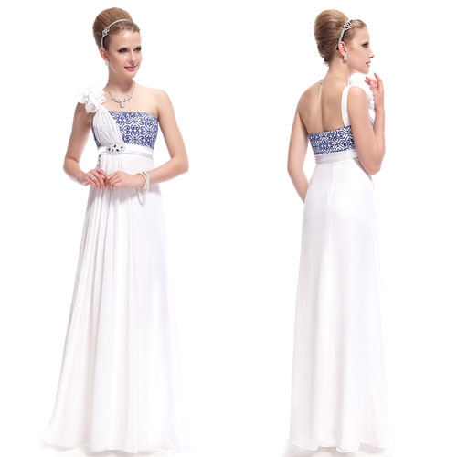 Белое платье с синей вышивкой и стразами