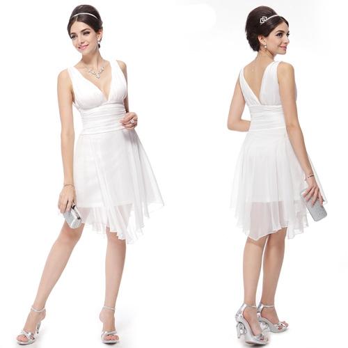Лёгкое коктейльное платье с двойным V-образным вырезом