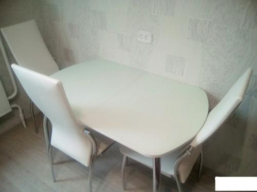 Стол 7 900(1200)х600  белый, стекло белое.