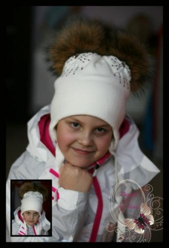 Вязаная шапка с 2 помпонами для девочки «Мануэлла» (молоко)