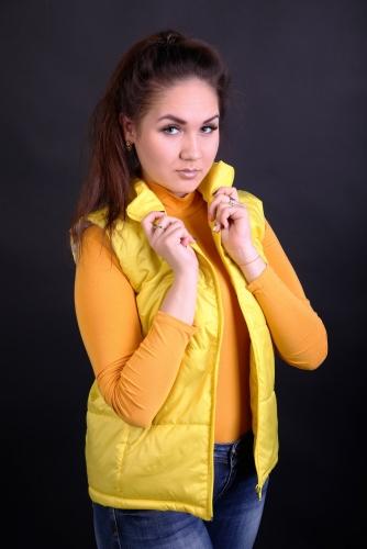Жилет женский утепленный синтепоном арт.GG-001 цвет-желтый