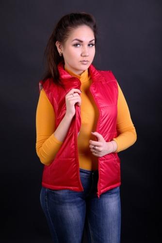 Жилет женский утепленный синтепоном арт.GG-001 цвет-красный