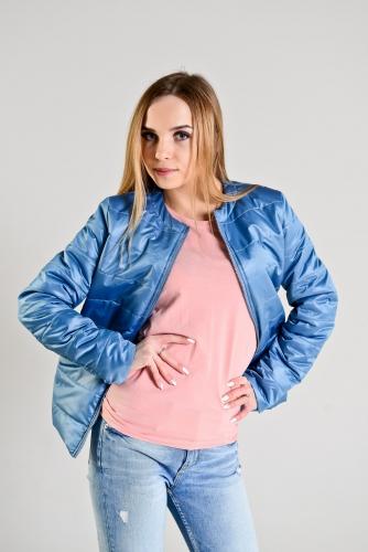 Демисезонная женская куртка,цвет-голубой