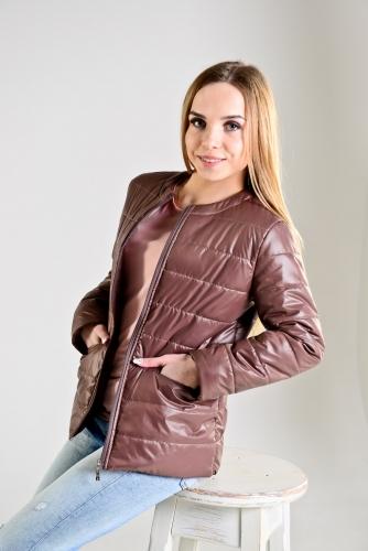 Демисезонная женская куртка,цвет-шоколад