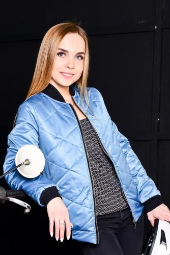 Женская утепленная куртка-бомбер, цвет- голубой