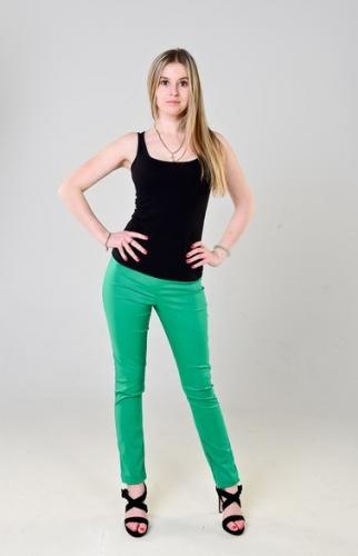 Брюки-стрейч женские летние,цвет- зеленый